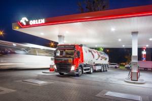 Na wszystkich stacjach Orlenu w Polsce zmieniono paliwo
