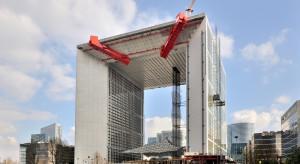 Potentat budowlany śrubuje wyniki, ale nie w Polsce