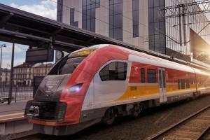 Na kolei rosną przewozy pasażerskie, spada transport towarów