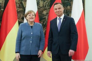 """Prezydent rozmawiał z Merkel o Nord Stream 2. """"Kropla drąży skałę"""""""