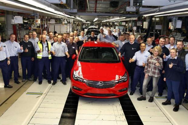 Opel w Gliwicach zachęca pracowników do szukania pracy gdzie indziej?