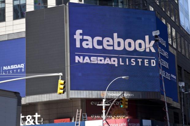 Wartość akcji Facebooka spadła o 73 mld dol.