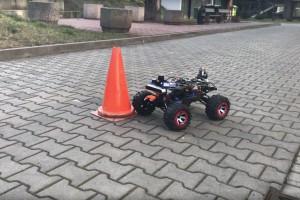 Polscy studenci zbudowali autonomicznego robota, który poleci do USA