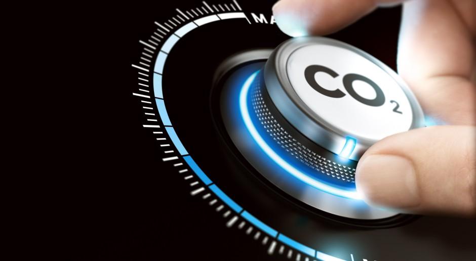 Resort klimatu przedstawia dwa scenariusze dla kosztów emisji CO2
