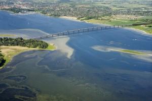 Potężny most w kawałkach popłynie z Polski do Danii