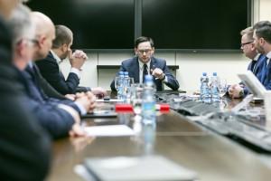 Prezes Orlenu Daniel Obajtek zwolnił już blisko połowę szefów spółek z grupy