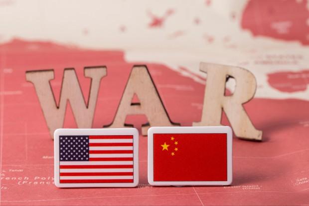 KE zaniepokojona sporem handlowym między USA i Chinami