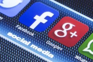 Chiny przepraszają się z Facebookiem i Twitterem. Wszystko dla turystów