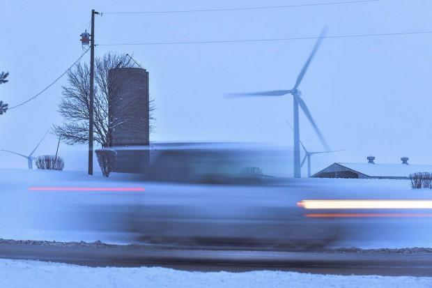 Ilu Polaków zmienia sprzedawcę prądu?