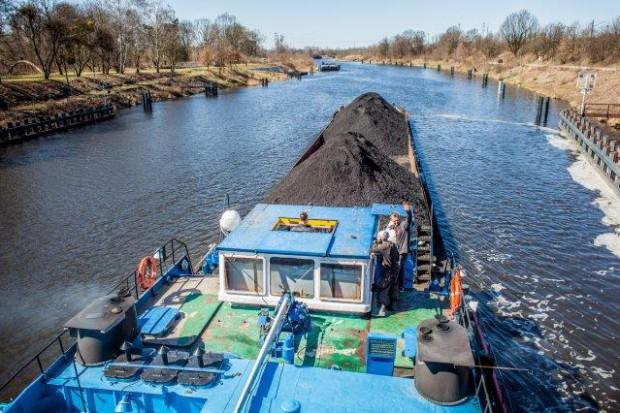 Barki OT Logistics wożą węgiel dla ZE Wrocławska Kogeneracja