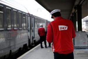 Koleje francuskie tracą miliony euro dziennie przez pracowników