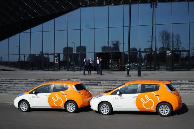 Innogy z ING buduje w Warszawie nowe stacje ładowania samochodów elektrycznych