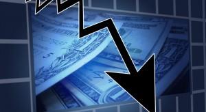 Wall Street kończy dzień na minusach. Mocna przecena akcji Apple