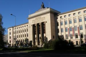 """""""Pora, by uczelnie odwdzięczyły się Polakom"""". Mocne słowa ministra"""
