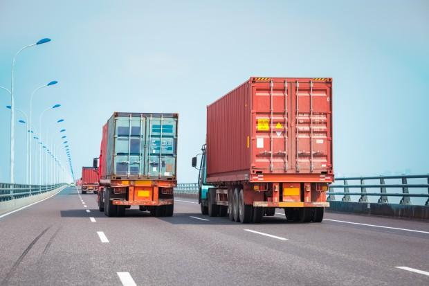 Pracodawcy ostrzegają: unijne przepisy uderzą w polskie firmy transportowe