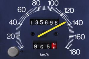 Będą surowe kary za cofanie liczników w samochodach