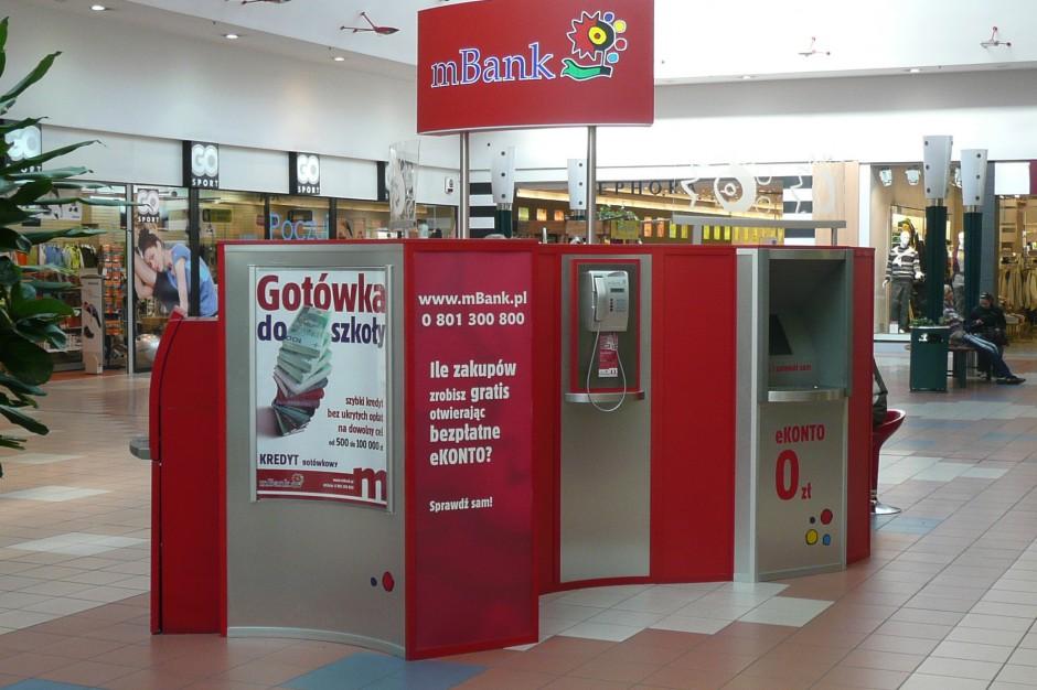 Stanowisko mBanku w Bydgoszczy w galerii handlowej, źródło: wikipedia.org/domena publiczna