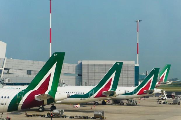 Włochy: Dziesiątki odwołanych lotów z powodu strajku kontrolerów