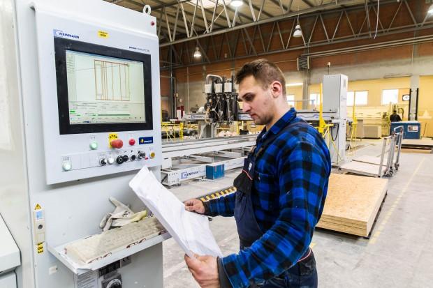 Unibep rozbudował fabrykę domów drewnianych