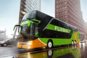 Mobilis dogadał się z Flixbusem. Przemaluje autokary na zielono