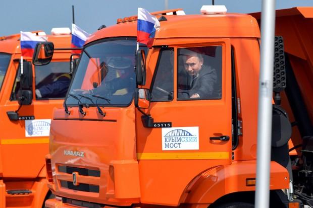 Władimir Putin otworzył most na Krym