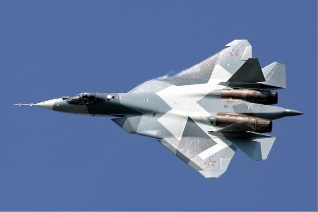 Rosyjski myśliwiec Su-57 ma być rywalem amerykańskiego F-22 Raptor