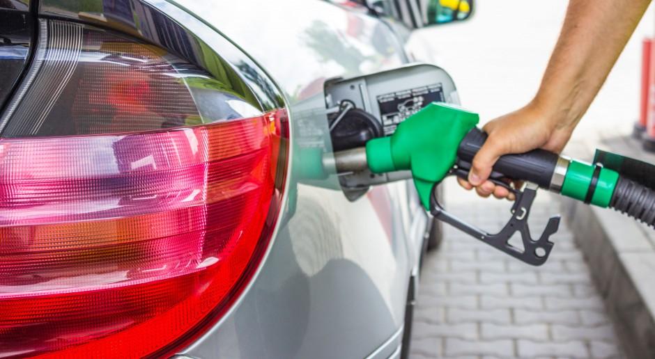 Obniżka cen paliw na stacjach trwa
