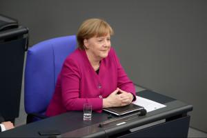 """To już 13 lat """"żelaznej kanclerz"""". Zbudowała potęgę Niemiec i wciąż rozdaje karty"""