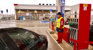 Naftowy gigant coraz więcej płaci do budżetu