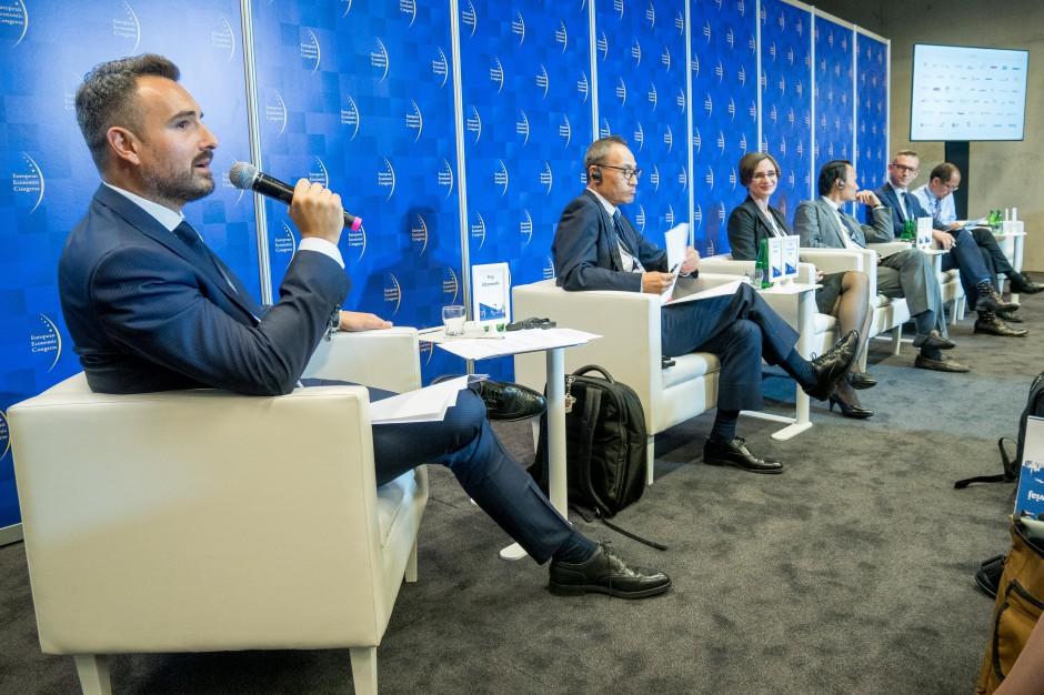 Debatę prowadził Filip Elżanowski, adiunkt Instytutu Nauk Prawno-Administracyjnych Uniwersytetu Warszawskiego. Fot. PTWP