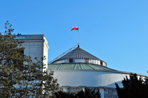 Sejm uchwalił kilkadziesiąt zmian ułatwiających życie firmom