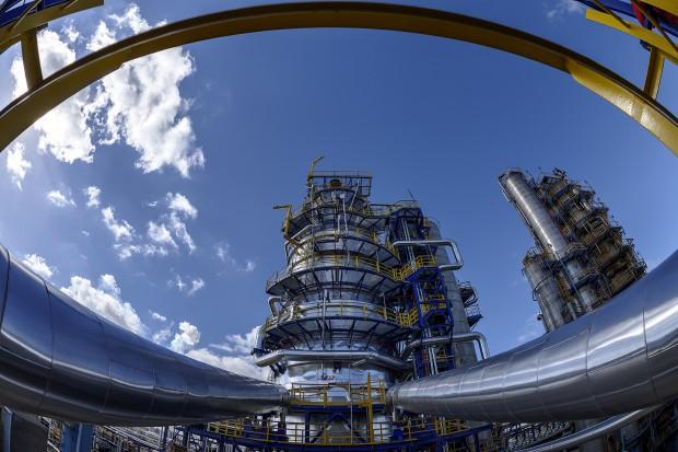 Inwestycja Orlenu w petrochemię ma drugie dno