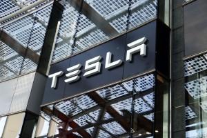 Elon Musk oskarżany o manipulowanie wartością akcji Tesli