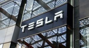 Tesla ma problemy z pożarami swoich paneli słonecznych