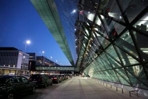 Lotnisko w Krakowie ma coraz więcej połączeń i pasażerów