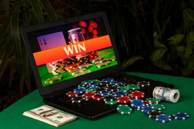 64 tys. graczy i 2,3 mld zł wpłat przez 8 miesięcy działania Total Casino