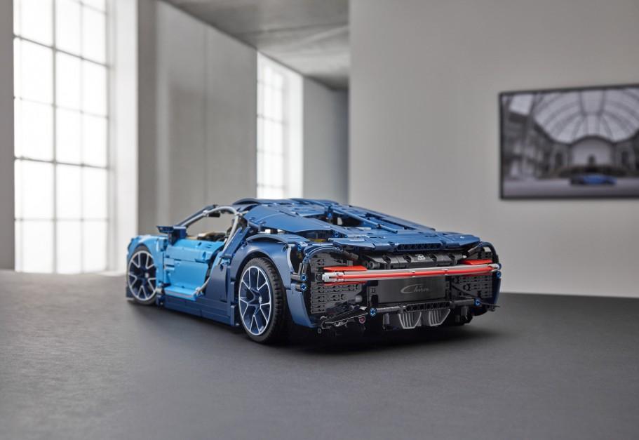 Zdjęcie numer 2 - galeria: Lego wypuszcza kolejny samochodowy model: Bugatti Chiron