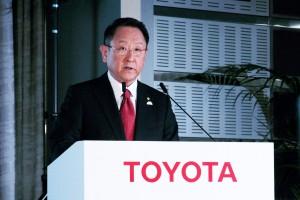 Toyota radykalnie redukuje liczbę zatrudnionych doradców