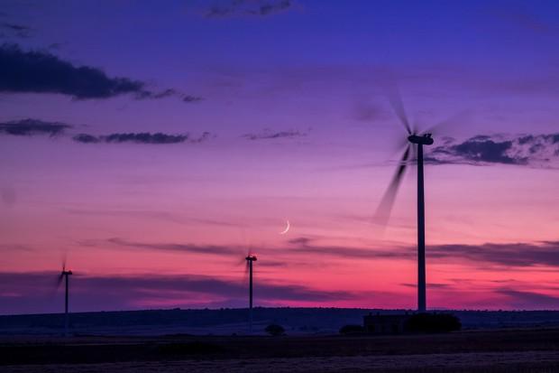 UE wyznacza cele na OZE, a Polsce grozi ogromna dziura w inwestycjach w farmy wiatrowe