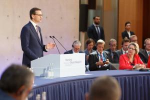 Premier Morawiecki w Berlinie: Polska stawia na złoty środek w polityce klimatycznej