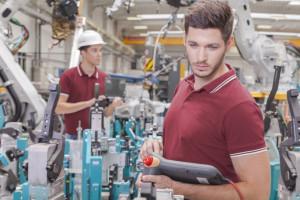 Będą zatrudniać w sektorze produkcji przemysłowej. Tak dobrze nie było od 10 lat.