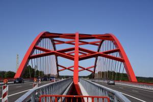 Budowa obwodnicy z imponującym mostem pochłonęła 1,3 mld zł