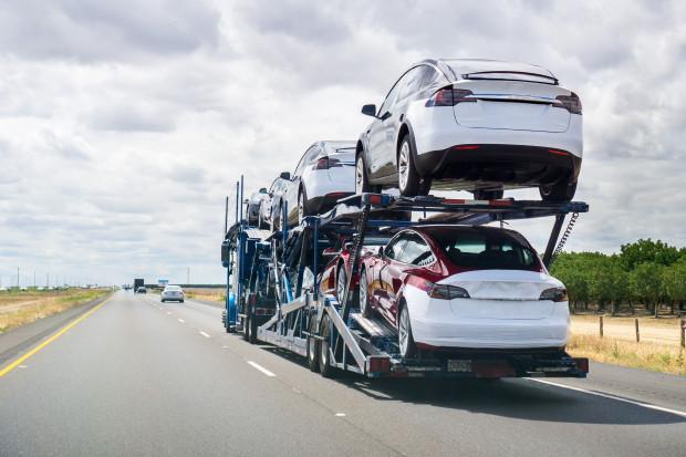 Tesla wypuszcza najtańszy model samochodu w swojej historii