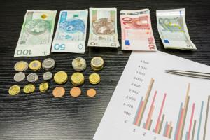 Tysiące wniosków o unijne miliardy
