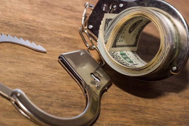 Śledczy kładą rękę na majątkach przestępców