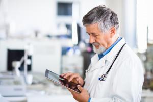 ZUS: coraz więcej zwolnień lekarskich w formie elektronicznej