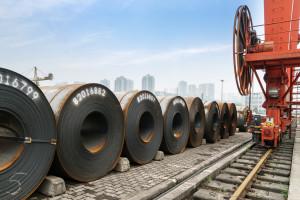 UE wprowadza środki ograniczające import stali