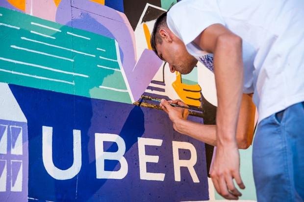 Uber kusi, ale i przedstawia argumenty
