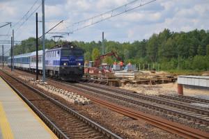 Pociągi pasażerskie coraz rzadziej przyjeżdżają o czasie