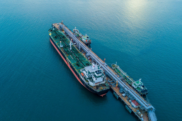Problemy z tankowcami stymulują wzrosty cen ropy